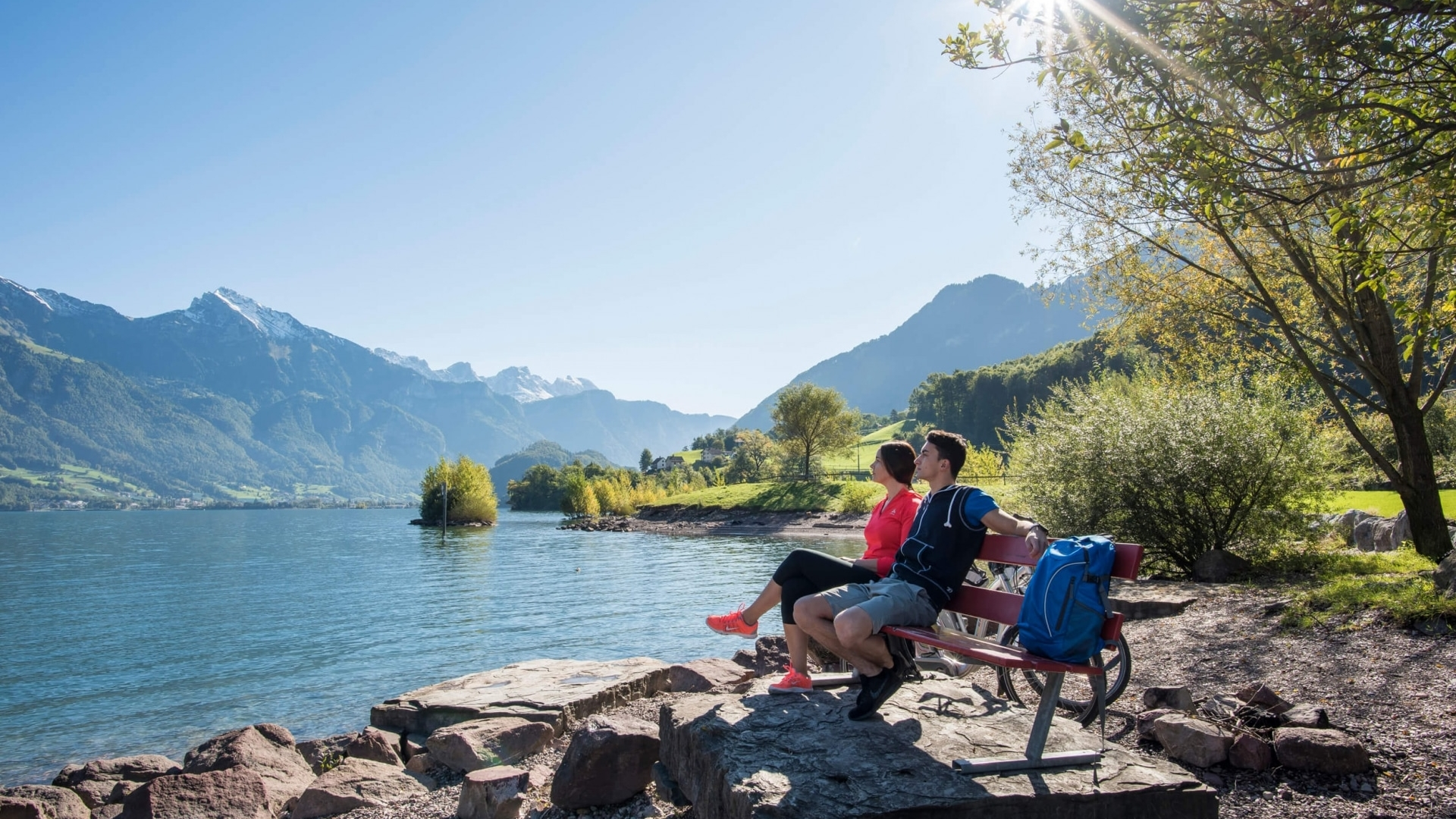 Gemütliche Pause am Walensee im Heidiland © Dolores Rupa
