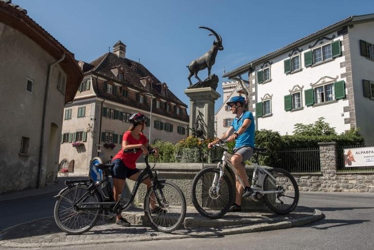 Pause der Radfahrer im Heidiland © Dolores Rupa
