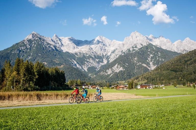 Mountainbiker am Radweg nach Fieberbrunn © Erwin Haiden