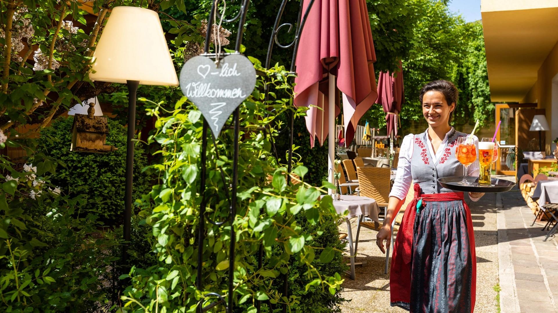 Gastgarten vom Hotel Stockerwirt im Alpbachtal © shootandstyle.com