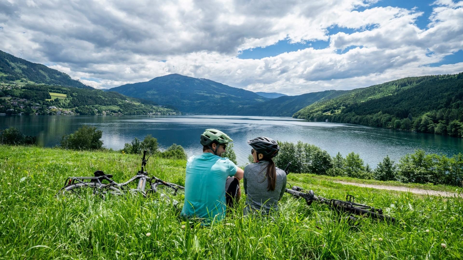 Pause der Radfahrer am Millstätter See © Gert Perauer