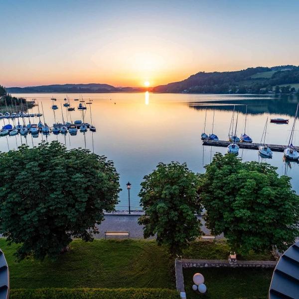 Sonnenuntergang am Mattsee © Ernest Stierschneider