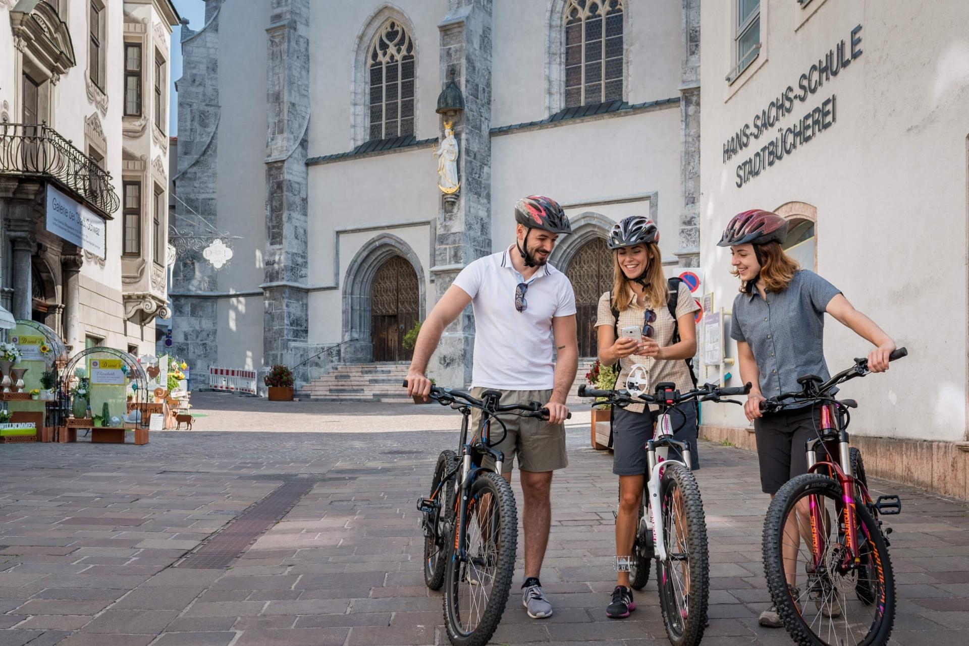 Gemütliche Radtour in der Silberregion Karwendel © ichmachefotos.com - Angelica Morales