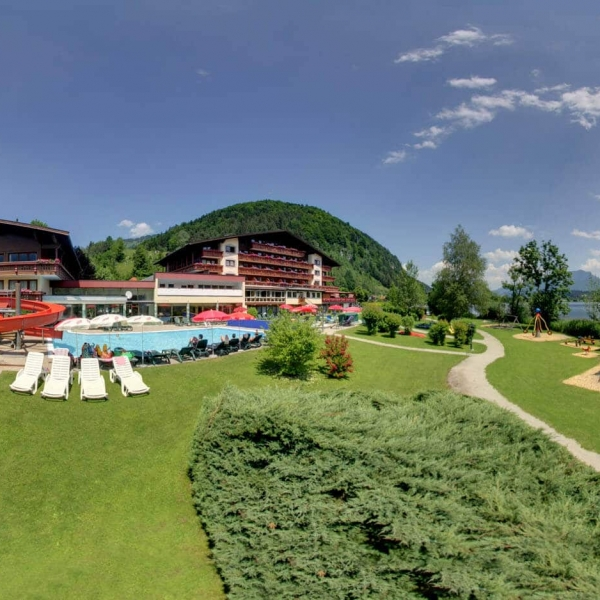 Hotel Bellevue in Walchsee Tirol - Panoramabild