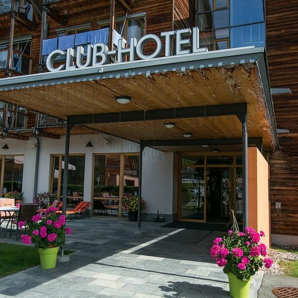 Hoteleingang © Club-Hotel am Kreischberg