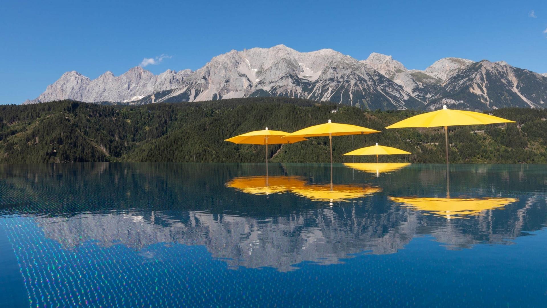 Pool und Berge - Hotel Schütterhof © MOOM - Harald Steiner