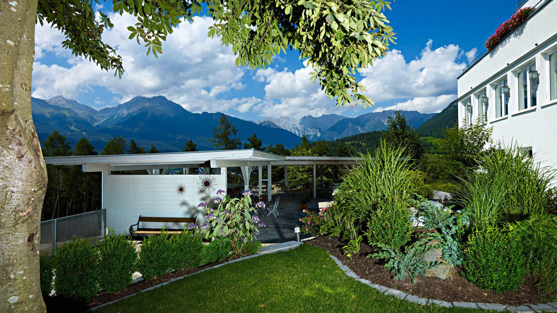 Garten vom Hotel Arzlerhof © Mario Rabensteiner