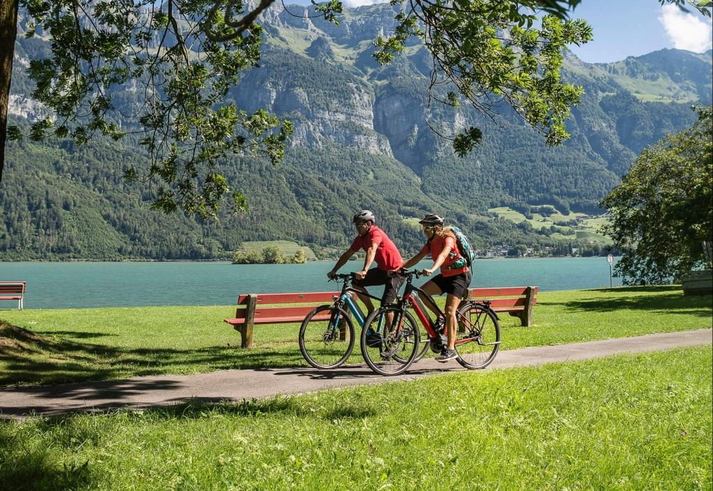 Fahrradtour entlang des Walensee © Velontour
