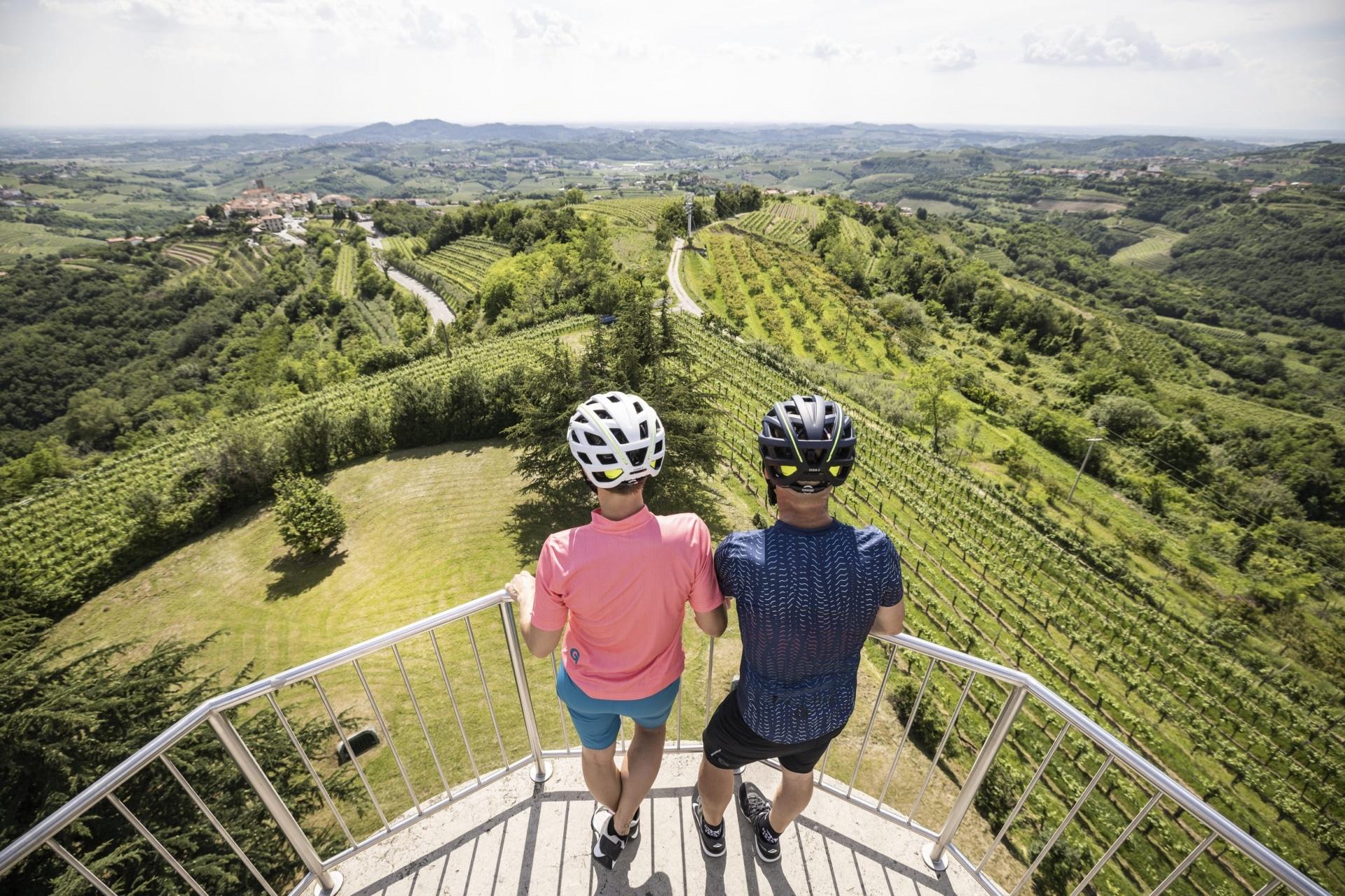 Ausblick vom Aussichtsturm in Gonjače © Velontour